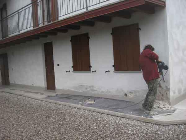 barriera all'umidità di risalita con RISANAMURO GORIZIA