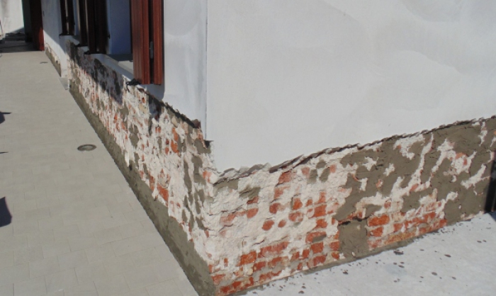 barriera all'umidità di risalita muro mattoni