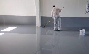 STRATO-FLOOR resina epossidica autolivellante per pavimenti continui