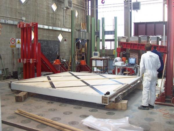 rinforzo e consolidamento con fibre di carbonio PETRA
