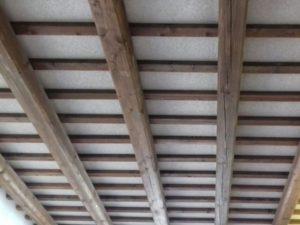 rivestimento decorativo in sughero su pannelli isolanti in polistirolo o polistirene